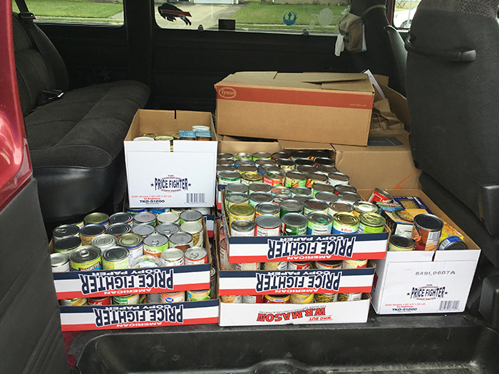 Mullen & Riverview students collect 2,000 canned goods